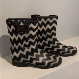 DIRTY LAUNDRY Rubber Boots 🥾 Super Cute 😊 Size 8
